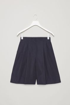 COS image 2 of Pleated wide-leg shorts in Navy Blue