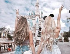 Ideas travel friends photography bff for 2019 Disney Land Pictures, Bff Pictures, Bff Pics, Disney World Trip, Disney Trips, Disneyland Photos, Disney Aesthetic, Story Instagram, Best Friend Pictures