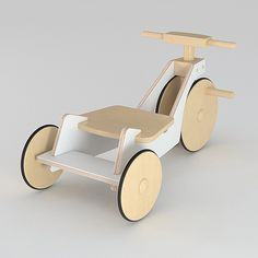 Tricycle made in plywood and varnished wood with matte finishing - Holz