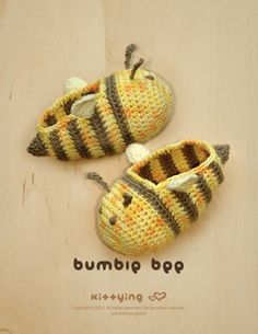 Bumble Bee Baby Booties Crochet Pattern by Kittying Crochet Pattern Crochet Baby Shoes, Crochet Baby Booties, Crochet Slippers, Crochet Hats, Crochet Motifs, Hand Crochet, Crochet Patterns, Crochet Diagram, Baby Shoes Pattern