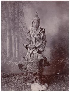 Young woman in dress, Siam - ca 1890 My dream outfit!