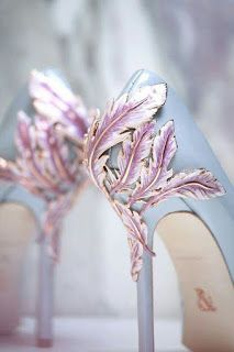 23 Stunning Wedding Shoes to Complete Your Fairy Tale Prince.- 23 Stunning Wedding Shoes to Complete Your Fairy Tale Princess Look! – Praise Wedding 23 Stunning Wedding Shoes to Complete Your Fairy Tale Princess Look! Dream Shoes, Crazy Shoes, Me Too Shoes, Pretty Shoes, Beautiful Shoes, Gorgeous Heels, Miu Miu Tasche, Purple Wedding Shoes, Wedding Blue
