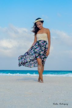 Flower girl . #beach #cancun