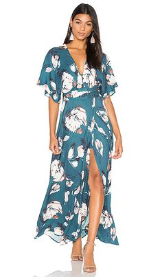 Shop for Yumi Kim Kimono Maxi Dress in Blushing Daisy at REVOLVE. Free day shipping and returns, 30 day price match guarantee. Kimono Dress, Floral Maxi Dress, Dress Skirt, Wrap Dress, Dress Up, Dress Prom, Vestidos Country, Maxi Robes, Dress Patterns