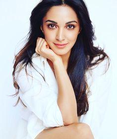 Bollywood Girls, Bollywood Actress Hot, Bollywood Bikini, Bollywood Style, Bollywood Fashion, Indian Celebrities, Bollywood Celebrities, Beautiful Indian Actress, Beautiful Actresses