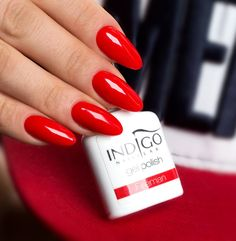 Fireman nails and makeup red acrylic nails, red nails и gel Red Gel Nails, Red Acrylic Nails, Oval Nails, Matte Nails, Blue Nails, Almond Nails Red, Classy Nail Designs, Red Nail Designs, Acrylic Nail Designs