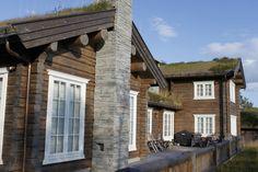 Et lite utvalg av våre 500 bygde hytter Cabin Fever, Scandinavian Home, Log Homes, Cottage, Exterior, Rustic, Building, Outdoor Decor, Modern Cabins