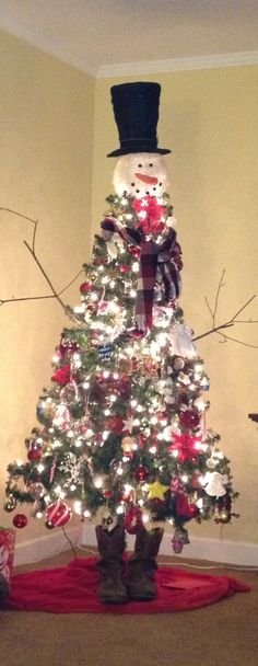 unusual christmass tree | Our unique Christmas Tree. It's just too cute and a great conversation ...