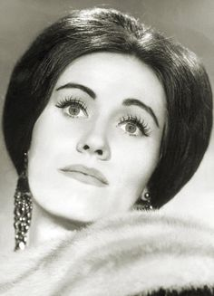 Dame Joan Sutherland, 'La Stupenda'. she was one of the first opera singers I ever listened to