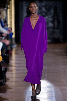 Stella McCartney Fall 2013 Ready-to-Wear Collection - Vogue Only Fashion, Fashion Week, Runway Fashion, High Fashion, Fashion Show, Fashion Outfits, Womens Fashion, Fashion Design, Paris Fashion