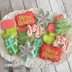 "517 Likes, 15 Comments - Sarah Brumit (@sarahscustomcookies) on Instagram: ""And finally my full dozen set. The link to order Christmas cookies is in my profile! #austincookies…"""