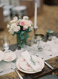Place Setting - Vintage China -  Casual Elegance on http://www.StyleMePretty.com/2014/03/21/hilltop-al-fresco-wedding-in-malibu-california/ Photography: Kurt Boomer - kurtboomerphoto.com on #SMP