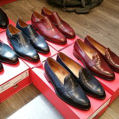 http://chicerman.com  jfitzpatrickfootwear:  Japanese market loves those blues and burgundys!! @jfitzpatrickfootwear in the mix. Working hard to get these shipped out asap with a trip to Spain just to shine shoes!!  #jfitzpatrick #jfitzpatrickshoes #jfitzpatrickfootwear #dressshoes #mensshoes #shoes #menswear #mensstyle #mensfashion #mensfootwear #pennyloafers #loafers #monkstraps #singlemonkstraps #blueshoes #burgundyshoes #scarpe #zapatos #chaussures #shoestagram #shoeporn #theshoesnob…