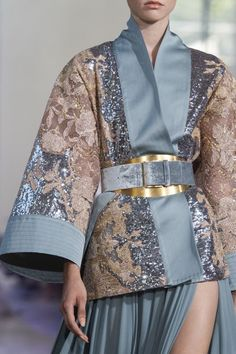 Elie Saab Couture Fall 2019 Fashion Show Details Elie Saab Couture Fall 2019 Fashion Show Details. Details of Elie Saab's Fall 2019 Couture runway show from Paris - Elie Saab Couture Fall 2019 Fashion Show Details Look Fashion, Fashion Details, Runway Fashion, High Fashion, Fashion Design, Fashion Trends, Fall Fashion, Fashion Pics, Vogue Fashion