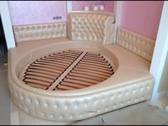 Bed Headboard Design, Bed Frame And Headboard, Bedroom Bed Design, Bedroom Furniture Design, Headboards For Beds, Bed Furniture, Modern Luxury Bedroom, Stylish Bedroom, Luxurious Bedrooms