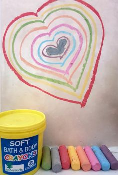 8 exciting colours  use on bath and body  cosmetic ingredients means it can also be used as face paint  bullet shaped and easy to grip for little fingers  cute re-usable crayon tub  easy to wash off with warm water, soap and a sponge or cloth  Happy Doodling, Drawing and Face Painting!