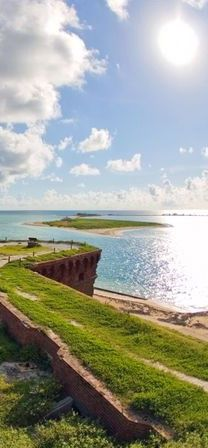 #Fort_Jefferson in #Dry_Tortugas_National_Park, #Florida #USA http://en.directrooms.com/hotels/country/10-200/