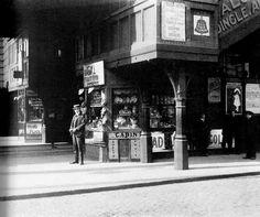 Shops under the overhead railway,around 1910