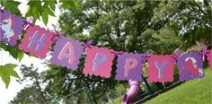 Unicorn birthday banner. I could do this!