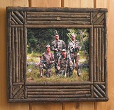 Woodland Twig Picture Frame The perfect rustic complement for your lodge style home decor! This picture frame is perfect for framing those treasured family outdoor memories or as a gift. Handcrafted from natural materials so each is unique. Small Woodworking Projects, Wood Projects That Sell, Barn Wood Projects, Woodworking Furniture Plans, Woodworking Classes, Diy Woodworking, Diy Projects, Twig Crafts, Nature Crafts