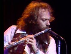 Jethro Tull ☻☺ Live at Madison Square Garden ☺☻ 1978 ☻☺ [II] ☺☻ 8. 47:36 Band Introduction 9. 48:41 Quatrain 10. 49:22 Aqualung 11. 58:10 Locomotive Breath 12. 1:13:42 Too Old To Rock 'N' Roll: Too Young To Die 13. 1:18:09 My God /Cross Eyed Mary 14. 1:25:30 Encore: Locomotive Breath