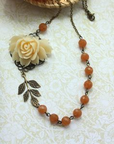 Vintage Inspired Necklace. Loving these colors!