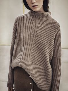 chunky knit sweater with suede skirt. Knitwear Fashion, Knit Fashion, Look Fashion, Winter Fashion, Ladies Knitwear, Womens Knitwear, Fashion Mode, Petite Fashion, Fashion Details