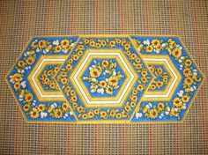 Rose Patch Creations - Photo Gallery: 60 Degree Table Runner