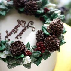 #ollichristmas #buttercream #flowercake #ollicake #olliclass #carrotcake…