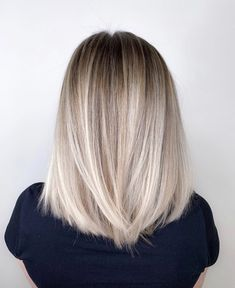 dyed hair for brunettes balayage Blonde Hair Looks, Blonde Hair On Brunettes, Hair Color Caramel, Pinterest Hair, Light Hair, Ombre Hair, Ombre Silver Hair, Blonde Ombre Short Hair, Honey Blonde Hair