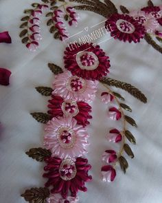 I hope you get good friday. Ribbon Embroidery Tutorial, Flower Embroidery Designs, Silk Ribbon Embroidery, Hand Embroidery Patterns, Cross Stitch Embroidery, Silk Flowers, Fabric Flowers, Band Kunst, Creation Deco
