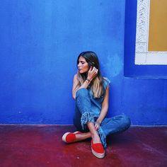 @belenhostalet wearing Flay cropped jeans