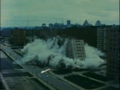 """Pruitt-Igoe Sequence - """"Trouble in Utopia"""" - Narrated by Robert Hughes [1981] - YouTube"""