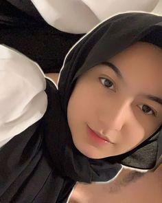 A Love So Beautiful, Beautiful Hijab, Muslim Girls, Muslim Women, Pretty Girls, Cute Girls, Cute Girl Hd Wallpaper, Instagram Story Filters, Muslim Beauty