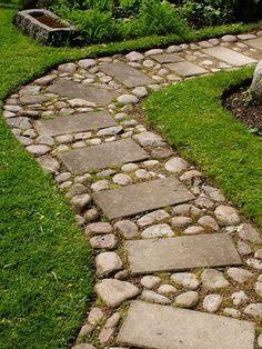 Verleihen Sie Ihrem Garten das gewisse Extra! 17 wunderschöne Steinpfade, die die Schau stehlen werden! - Seite 2 von 16 - DIY Bastelideen