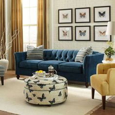 Black Dining Room Decor ideas - How do you decorate a small dining room? Black Dining Room Decor ideas - Should living room and dining room be same color? Living Room Yellow Accents, Blue Couch Living Room, Living Room Paint, New Living Room, Living Room Furniture, Navy Furniture, Yellow Walls, Living Room Decor Navy Blue, Furniture Ideas