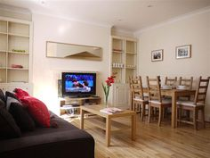 Offering a superior standard of accommodation to guests coming to London, the Mornington Crescent apartment has a notable city address. London Apartment, Holiday Apartments, Furniture, Home Decor, Decoration Home, Room Decor, Home Furnishings, Arredamento, Interior Decorating