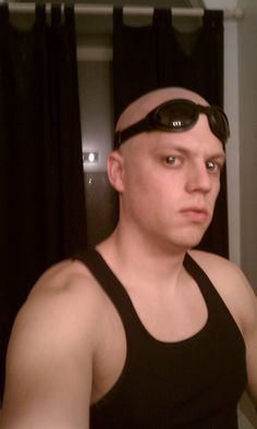 Bad picture. Good Cosplay. Riddick, with mirrored contacts - Imgur