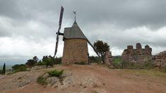 Le moulin du Roc à Saint-Chinian. Saint Chinian, Le Moulin, Saints, Tower, Building, Travel, Photos, Water Mill, Mediterranean Sea