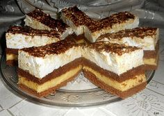 Érdekel a receptje? Kattints a képre! Cookie Recipes, Dessert Recipes, Torte Cake, Dessert Drinks, Waffles, French Toast, Food And Drink, Sweets, Snacks