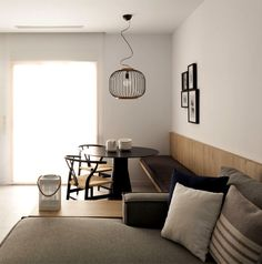 A Hint of Asian Stylistic in a Small Holiday Apartment - InteriorZine