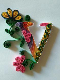 23 Easy Paper Quilling Ideas For Kids Paper Quilling Tutorial, Paper Quilling Patterns, Neli Quilling, Origami And Quilling, Quilled Paper Art, Quilling Paper Craft, Paper Crafts, V Letter Images, Alphabet Images