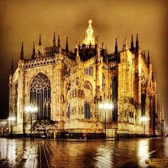 Duomo at night #Milano #Italy By Penelope via @tubervildan #photography #travelpics