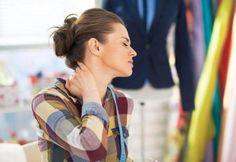 Piskesmæld, whiplash, gode råd og øvelser i Aarhus Severe Neck Pain, Neck And Back Pain, Chronic Pain, Fibromyalgia, Chronic Illness, Barbara Meyer, Stiff Shoulder, Sore Neck, Degenerative Disc Disease