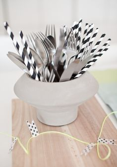Cutlery decoration by hviit. Car Themed Parties, Joy Of Cooking, Danish Design, Hygge, Flatware, Grand Prix, Serving Bowls, Building A House, Decorative Bowls