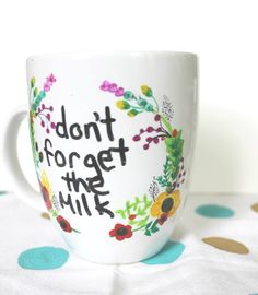 Use a Sharpie on ceramics and heat-set the design! DIY Dry Erase Sharpie Mug