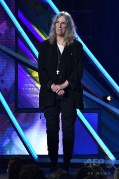 米オハイオ州クリーブランドで開催された「ロックの殿堂」の式典で、ルー・リードさん Lou Reed のプレゼンターを務めたパティ・スミスさん(2015年4月18日撮影)。(c)AFP/Getty Images/Mike Coppola ▼20Apr2015AFP ロックの殿堂2015、ルー・リードの功績たたえる http://www.afpbb.com/articles/-/3045851