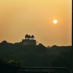 A regular evening. #Delhi #sciencecenter #charlescorea #capitalcity #puranakila #casestudy #sunset