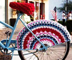Fuente: http://www.ravelry.com/patterns/library/i-heart-my-bike-skirt