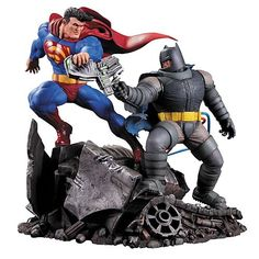 Dark Knight Returns Superman vs. Batman Statue   http://www.entertainmentearth.com/prodinfo.asp?number=DC30904&id=SO-408089